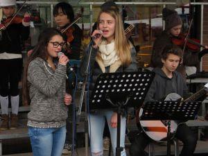 zang tijdens Dickensfair Bennekom
