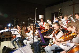 leerlingenorkest tijdens kerstconcert