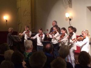 vioolgroep T2muziek in Oosterbeekse concertzaal