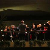 Optreden Heelsums Gelegenheidskoor tijdens Volkskerstzang