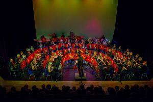 Engelse Taunton Concert Band treedt op in muziektent Heelsum