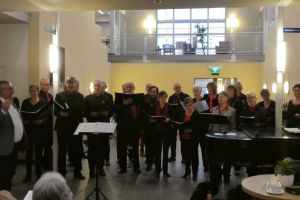 Optreden HGK-koor bij Volkskerstzang in Sint Josephkerk