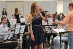 Anniek tijdens talentenjacht muziekschool T2 (10)